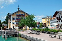 Rathausplatz, B307, Tegernsee, Bayern, Deutschland