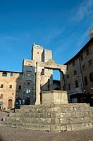 Ancient well san Gimignano
