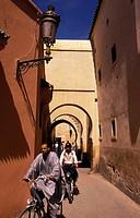 Im Souq in der Medina oder Altstadt in Marrakesch in Marokko in Nordafrika. Urs Flueeler