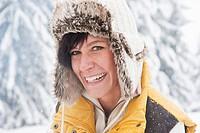 Austria, Salzburg, Young woman smiling, portrait
