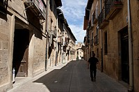 Streets Juderia, Olite, Navarre, Spain, Europe