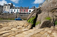 Low tide, douarnenez france