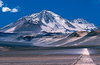Chile, Mount Ojos del Salado, the highest peak in Chile and also the highest active volcano in the world 6 879m