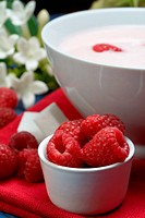 raspberry with yogurt