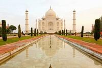 Taj mahal, agra uttar pradesh india