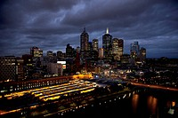 Melbourne cityscape at night (thumbnail)