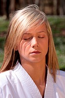 Karate girl _ meditation