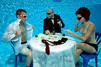 Strippoker, card game, under water, in swimming pool / poker
