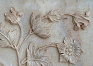 Scupted flower in marble mural of Taj Mahal at India´s Agra.