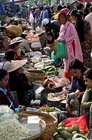 Weekly food market, Taungyi, Southern Shan State, Myanmar Burma, Asia