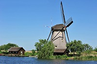 Windmills, Kinderdijk, Alblasserwaard, South Holland, The Netherlands, Holland, Europe