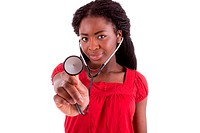 Die junge schwarze Ärztin