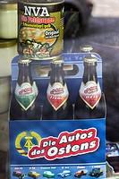 ostalgieprodukte im schaufenster eines ladengeschäfts in den neuen bundesländern, nostalgia products in a shop window reminiscent of east german cultu...