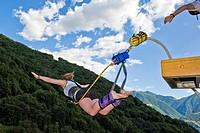 Switzerland, Canton Ticino, Verzasca dam, Bungee jumping