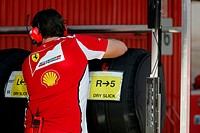 Scuderia Ferrari mechanic ,F1,Testing Barcelona, Spain ,Barcelona .