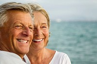 Spain, Senior couple at the sea (thumbnail)