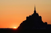 France, Normandy, Manche, bay of Mont-Saint-Michel on the world heritage list of UNESCO, sunrise over the Mont-Saint-Michel