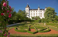 Schloss Berg, Berg castle with Renaissance garden, Gaerten ohne Grenzen, Perl_Nennig, Saarland, Germany, Europe