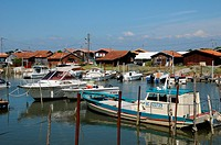 oyster farming village of La Tete de Buch
