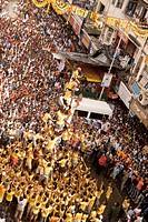 Human pyramid ; Dahi-Hundies ; Janmashtami janmashtmi gokul ashtami govinda Festival ; Bombay Mumbai ; Maharashtra ; India