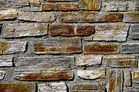 Gebirgssteinmauer