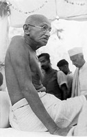 Mahatma Gandhi ; Thakkar Bapa and others after the riots between Hindus and Muslims in Noakhali East Bengal ; November 1946 ; India NO MR