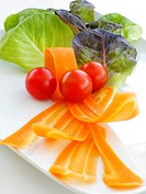 Salad with tomatoes and carrots