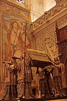 CATHEDRAL OF SEVILLE, LISTED AS A WORLD HERITAGE SITE BY UNESCO, FUNERARY MONUMENT TO CHRISTOPHER COLUMBUS MAUSOLEO DE COLON, SEVILLE, ANDALUSIA, SPAI...