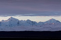 USA, Alaska, Sunrise over Alaska Range at Denali National Park