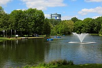 Germany, Europe, Dortmund, Ruhr area, Westphalia, North Rhine_Westphalia, NRW, Fredenbaumpark, park, leisure park, pond, water fountains, people, spar...