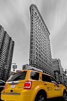 Das Flatiron Building wurde 1902 errichtet und befindet sich an der Kreuzung der Fifth Avenue, des Broadway und der 23rd Street in Manhattan, New York...