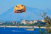 Turkey, province of Antalya, Turkish riviera, Pamphylia, parasailing