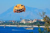 Turkey, province of Antalya, Turkish riviera, Pamphylia, parasailing