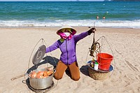 Asia, Vietnam, Nha Trang, Nha Trang Beach, Beach, Beaches, Vendor, Female, Woman, Asian Woman, Vietnamese, Woman, Seafood, Crab, Lobster