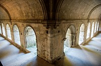 Europe, France, Bouches-du-Rhone, La Roque d´Antheron, Cistercian Abbey of Silvacane. The cloister.