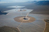 San Bernardino County, California - Brightsource Energy´s Ivanpah Solar Project, a solar thermal electric generating facility in the Mojave Desert. Th...