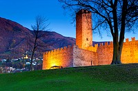 Bellinzona, Castelgrande, fort, Switzerland, Europe, canton, Ticino, castle, walls, wood, forest, trees, autumn, dusk, evening, lighting