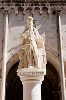 Statue of St. Lawrence, St. Lawrence Square, Trogir, UNESCO World Heritage Site, Dalmatia, Croatia, Europe