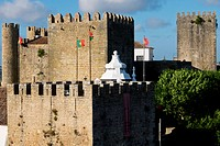 Portugal, Estremadura Province, Obidos is a 12th century romantic medieval village with a castle and rampart walls; Obidos