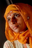 Indian women head covered wife of Anil Dave photographer MR#767