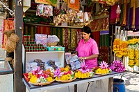 Flowers peddler, Mumbai, India