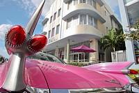 TAIL LIGHTS PINK 1959 CADILLAC EL DORADO MARLIN HOTEL COLLINS AVENUE MIAMI BEACH FLORIDA USA.