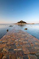 St. Michaels Mount and the Causeway in early morning sunlight, Marazion, Cornwall, England, United Kingdom, Europe