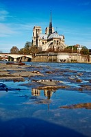 France, Paris, Seine river and Notre Dame Cathedral on the Île de la Cité