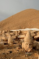 Nemrut Dagi, stone heads and barrow of king Antiochus, barrow, sacred grave, shrine, Turkey, Kahta, Anatolia, Asia, province Adiyaman