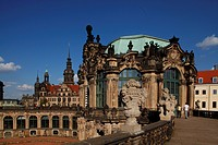 Dresden : Zwinger mit Residenzschloss