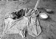 SUDAN, AYOD, 10.08.1993, SDN , SUDAN : A malnourished boy in a feeding centre in Ayod in the south of Sudan - Ayod, Ayod, Sudan, 10/08/1993