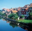 D-Bad Sooden-Allendorf, Werra, Werratal, Hoher Meissner, Naturpark Meissner-Kaufunger Wald, Hessisches Bergland, Hessen, Werrapromenade mit Wohnhaeuse...