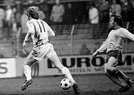 Fussball, Bundesliga, Saison 1972/1973, Boekelbergstadion, Borussia Moenchengladbach gegen Eintracht Braunschweig 4:0, Spielszene, Zweikampf zwischen ...