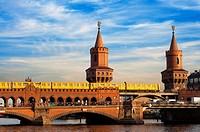 Germany, Berlin, the Oberbaumbrücke bridge that links Kreuzberg and Friedrichshain districts over the Spree river. The Oberbaum Bridge (German: Oberba...